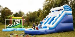 Jeux gonflables à Prunoy